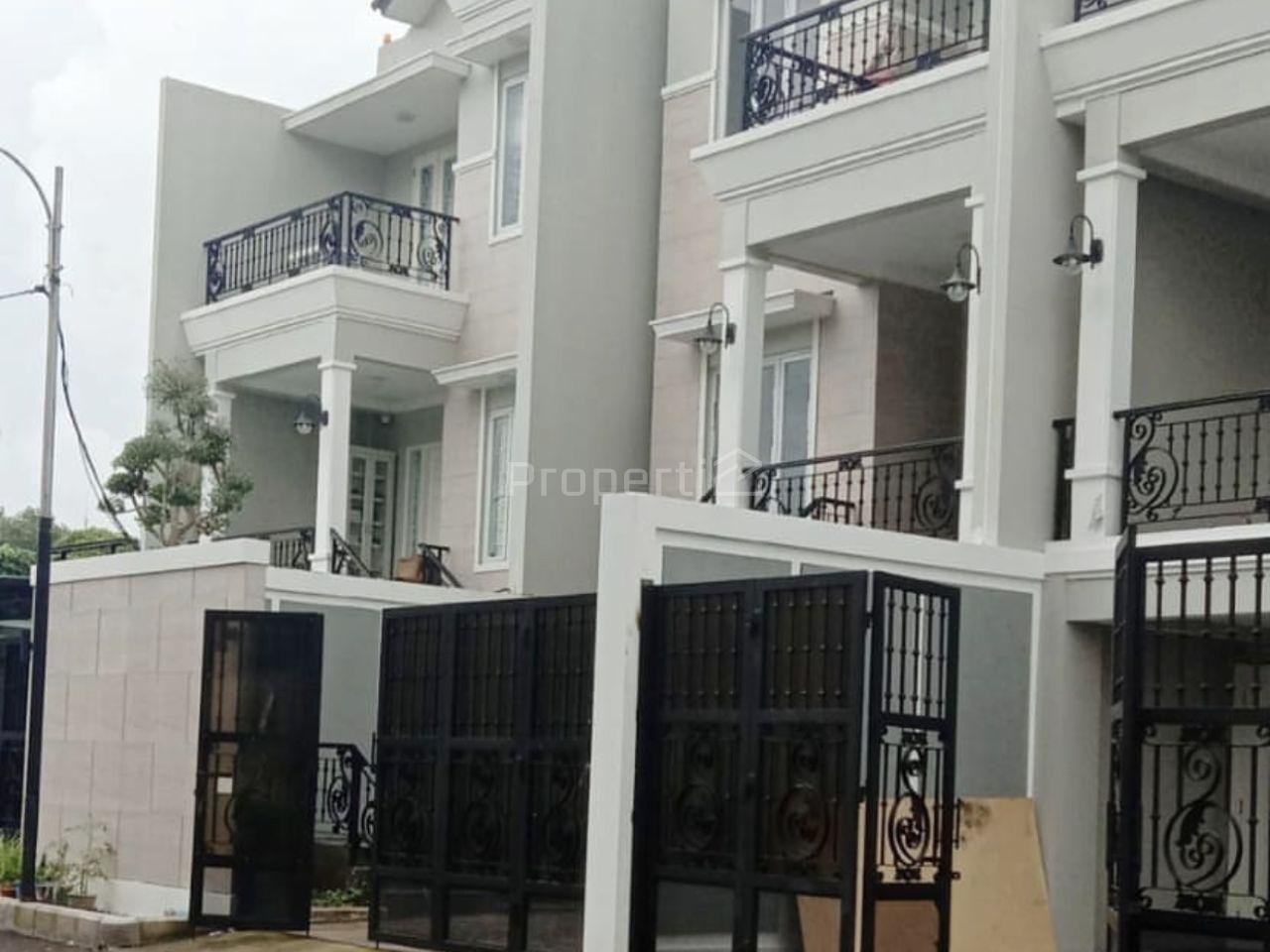 Rumah Modern di Mampang Prapatan, Jakarta Selatan, DKI Jakarta