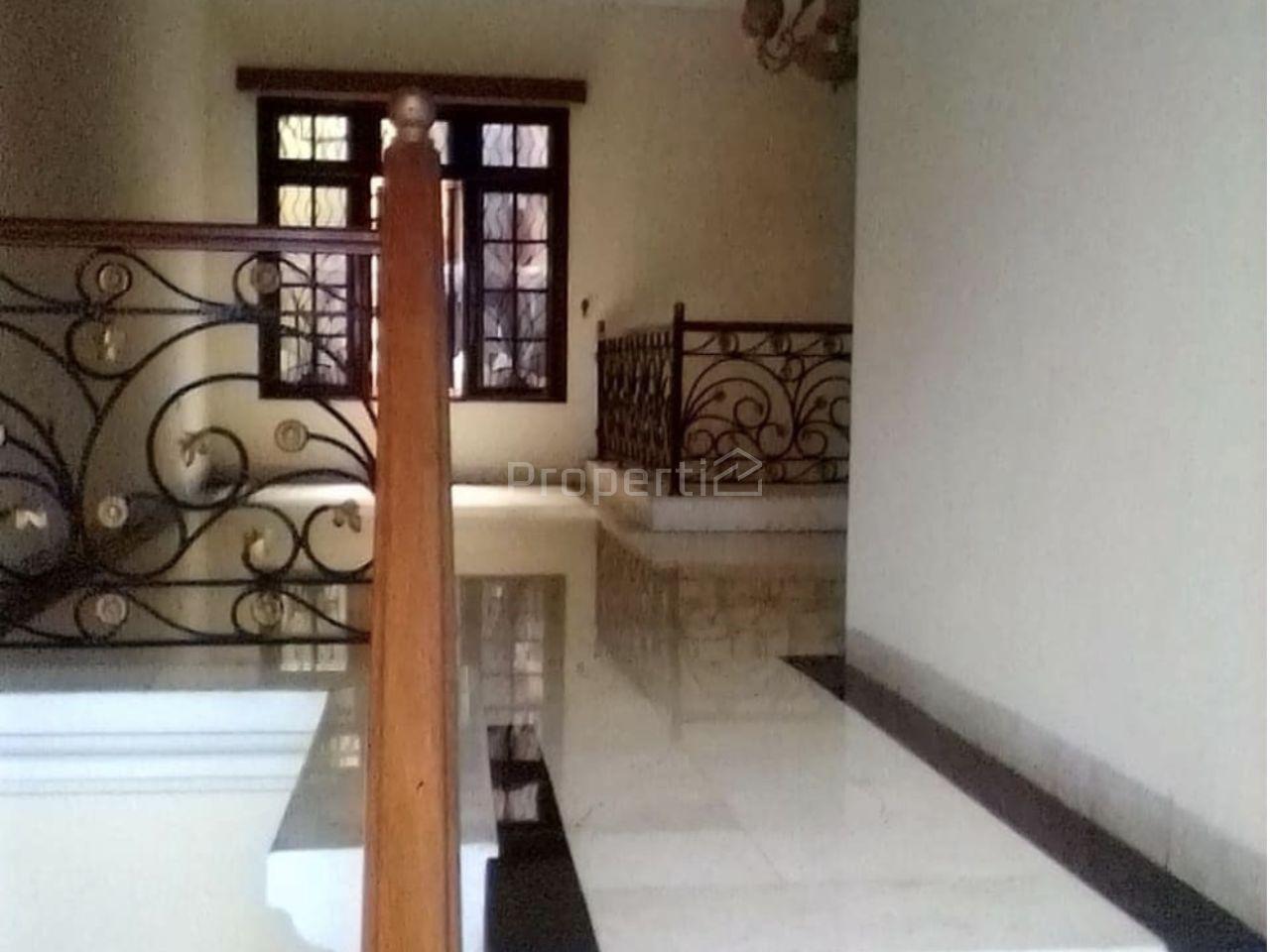 Corner Position House at Pondok Indah, Kebayoran Lama