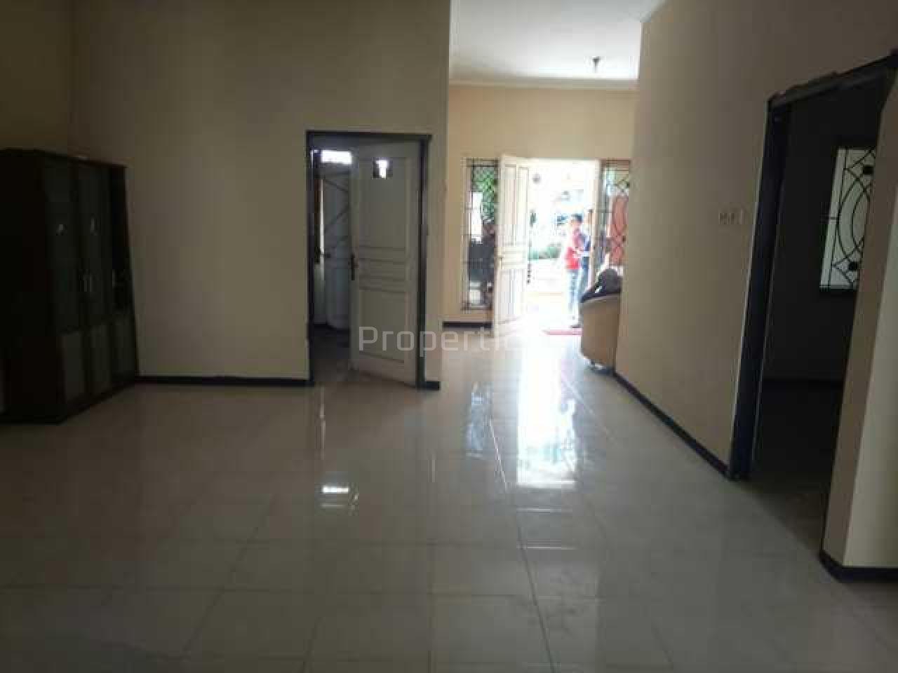Rumah Relatif Baru dalam Perumahan Strategis, Kota Surabaya, Kota Surabaya