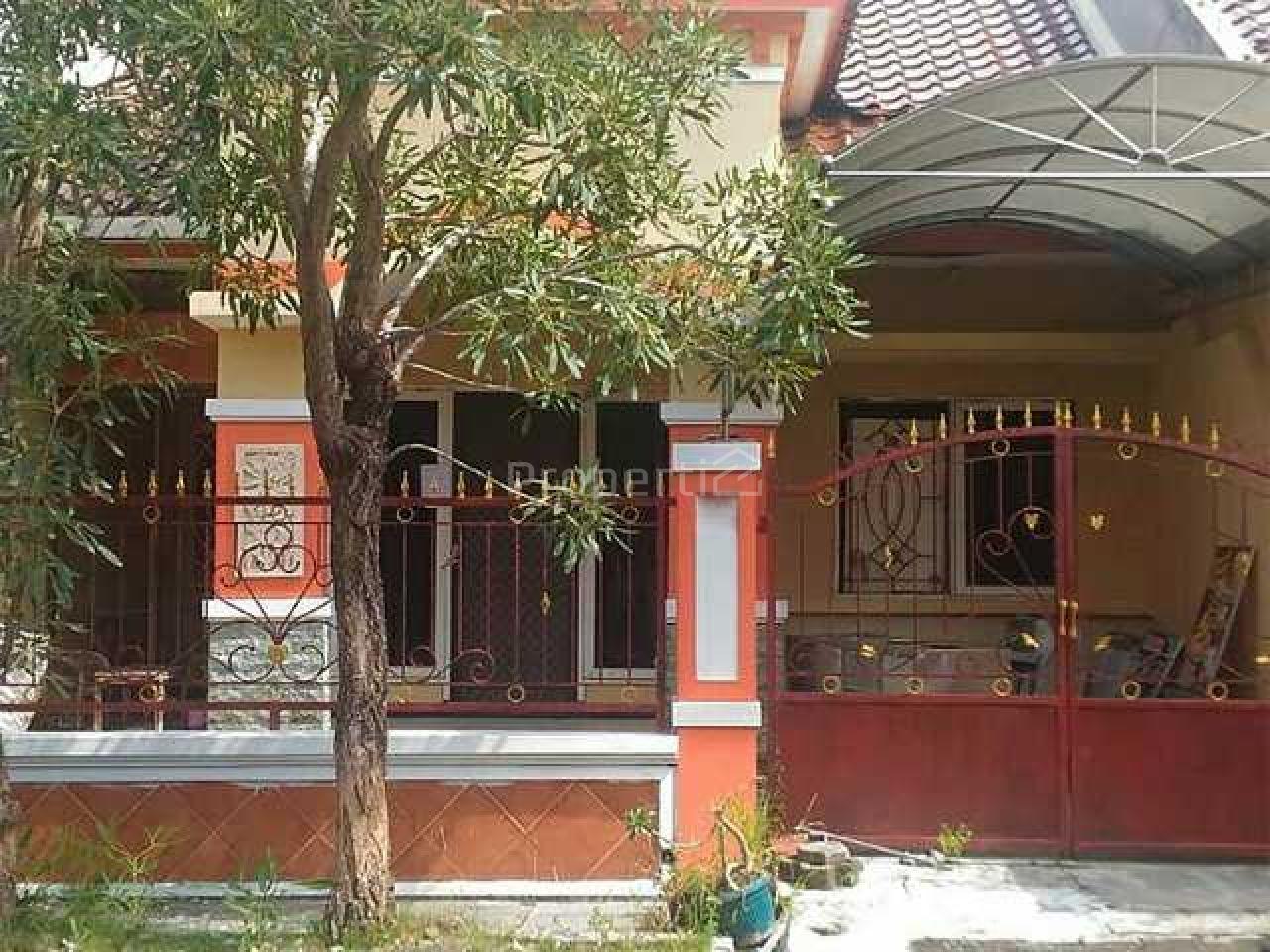 Rumah Relatif Baru dalam Perumahan Strategis, Kota Surabaya, Jawa Timur