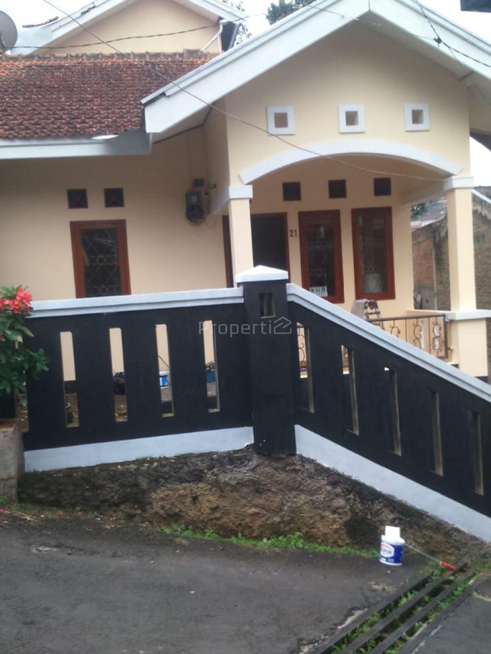 Rumah Sederhana di Bukit Ligar, Jawa Barat