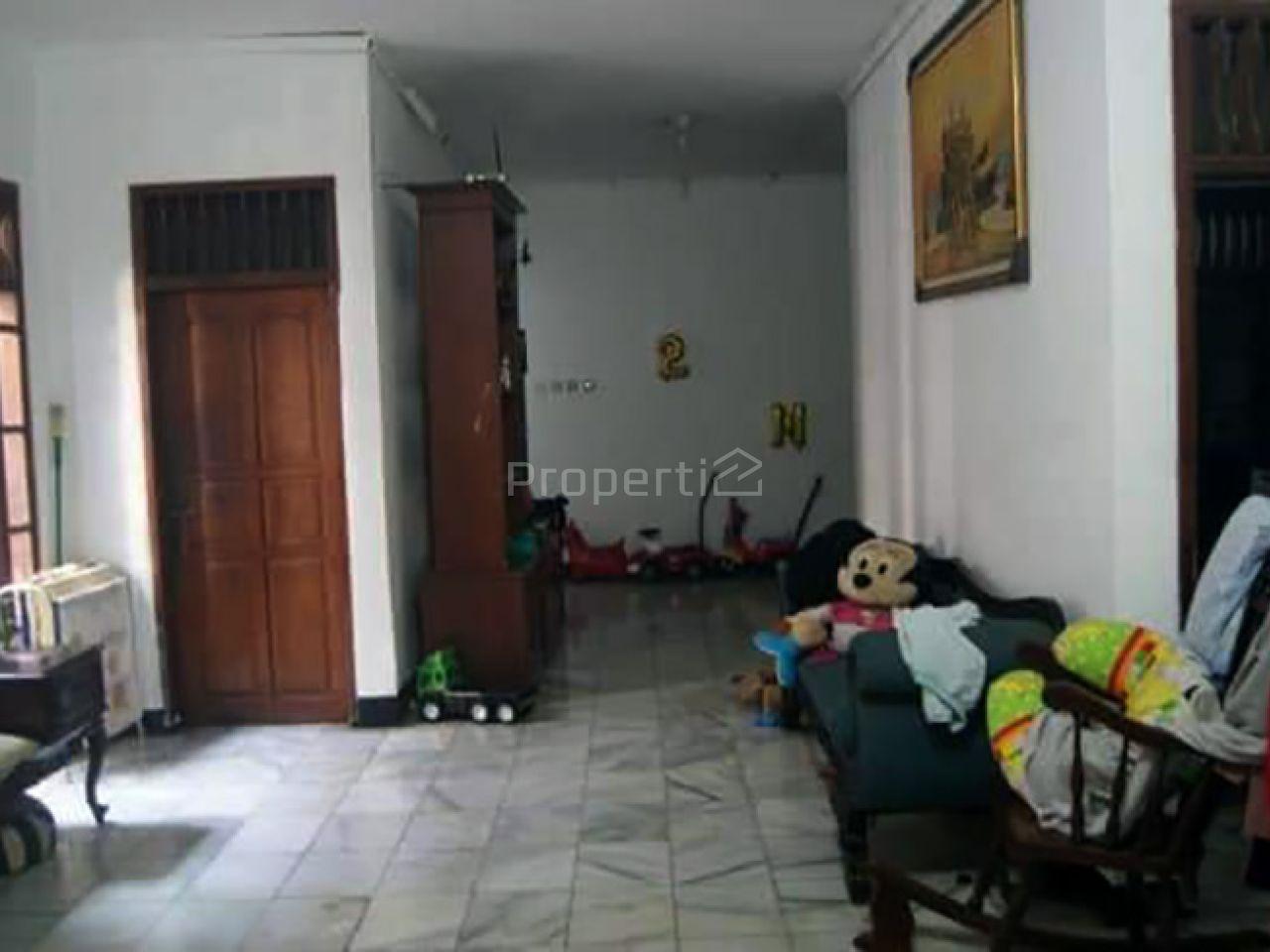 Rumah Sederhana dan Halaman Luas di Area Strategis Jagakarsa, Jakarta Selatan