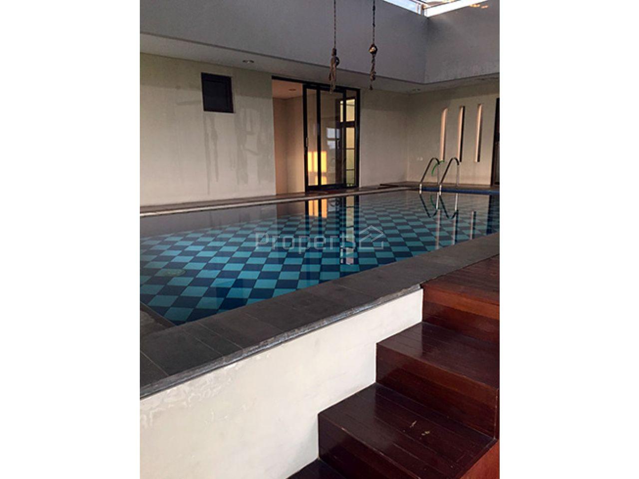 2-Storey House Equipped with a Pool in Kuldesak Neighborhood, Sukasari