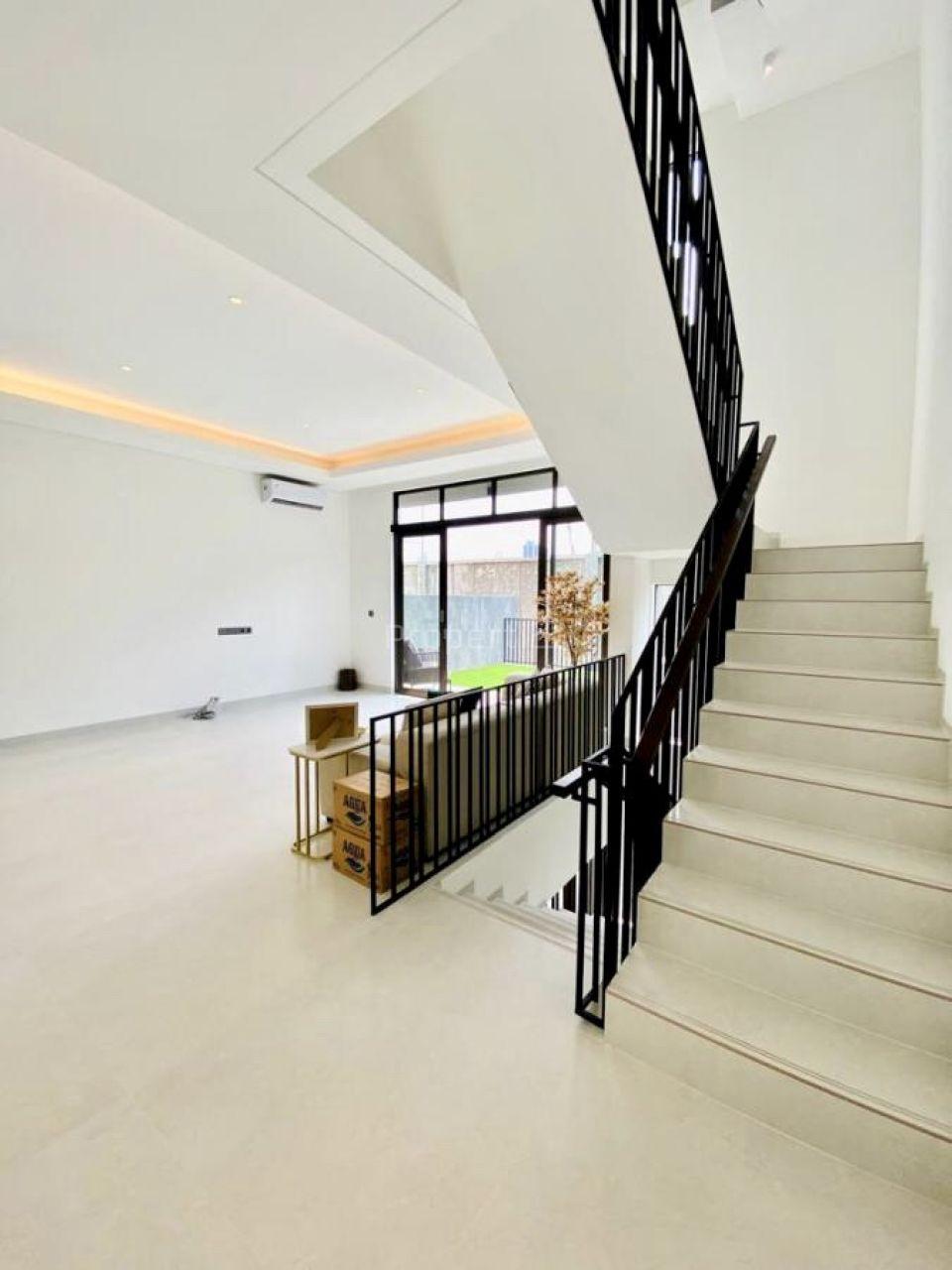 Rumah Townhouse Baru di Kemang, Jakarta Selatan, Jakarta Selatan