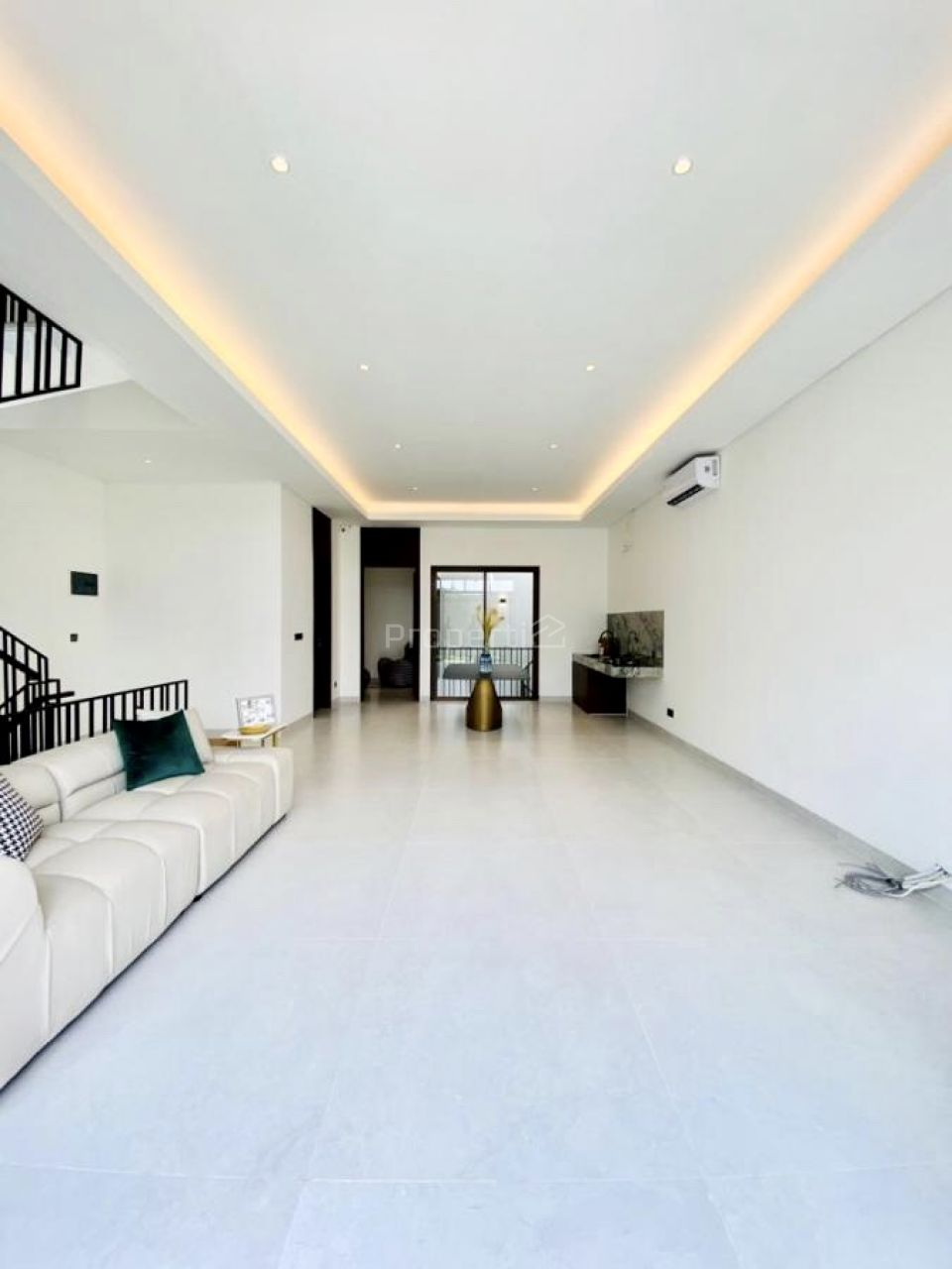 Rumah Townhouse Baru di Kemang, Jakarta Selatan, Mampang Prapatan