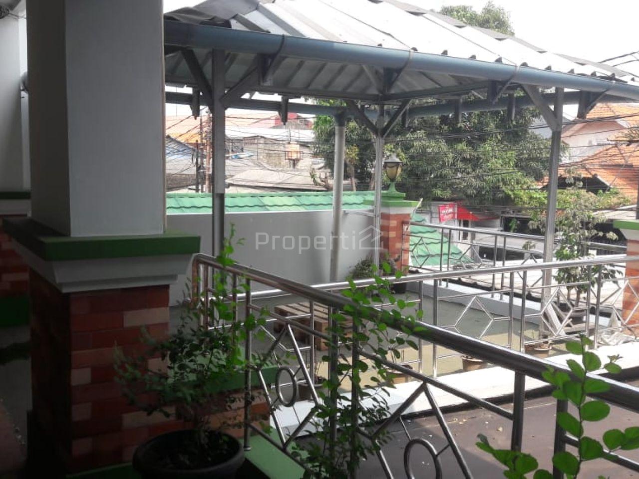 Rumah Untuk Kantor Dekat Bandara Halim Perdanakusuma, Makasar