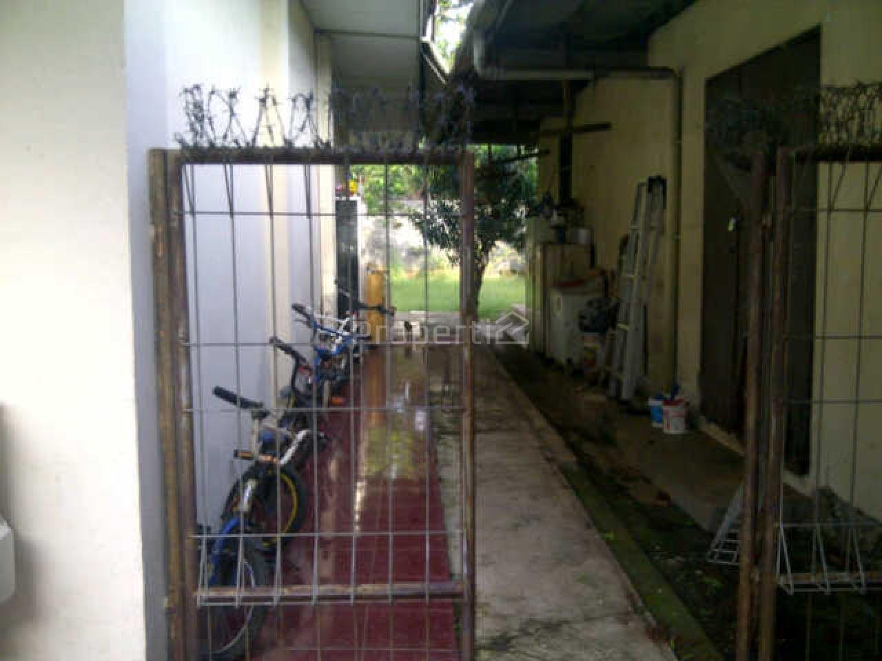 Natural and Spacious House in Kramatjati, DKI Jakarta