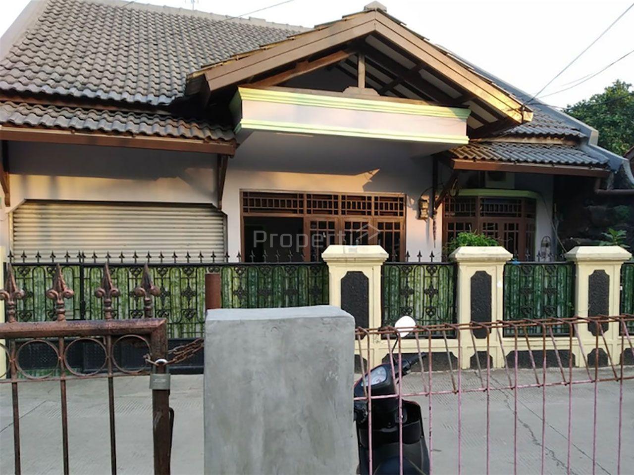 1.5-Storey House in Condet, DKI Jakarta
