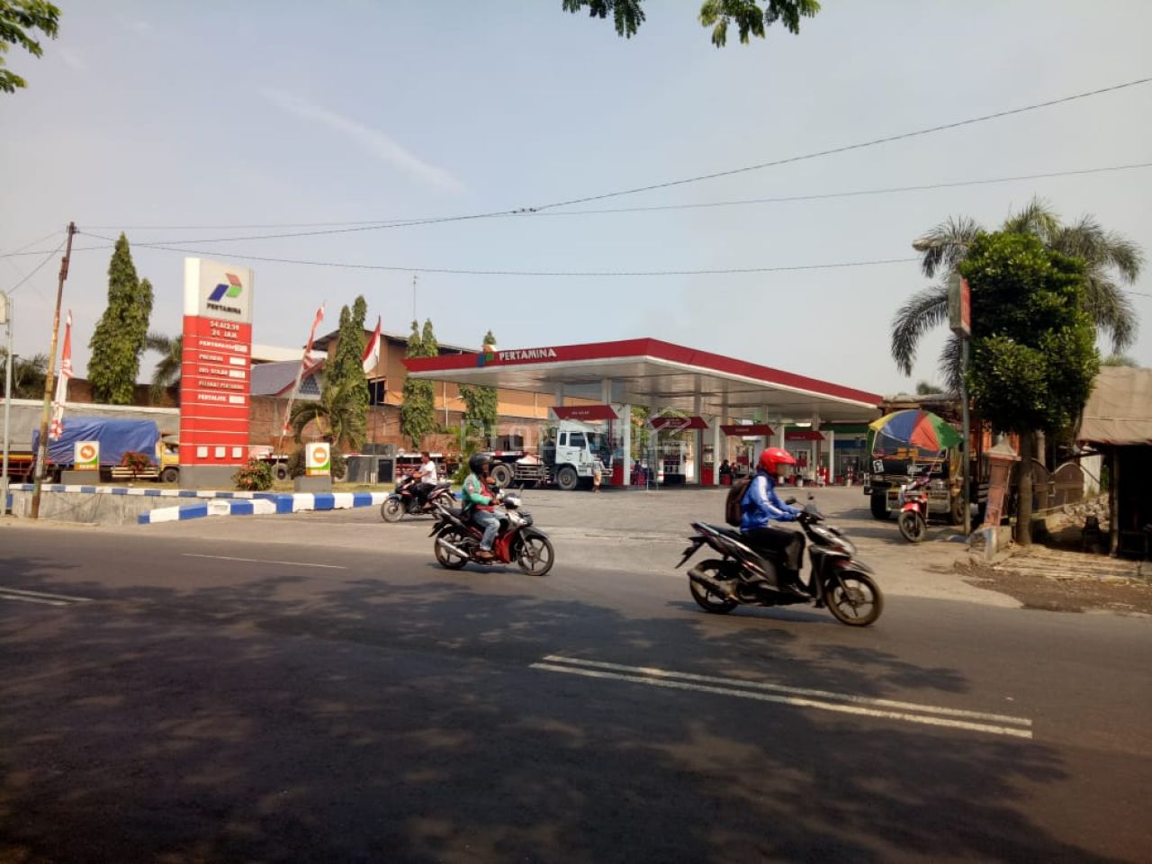 SPBU di Jalan Provinsi di Prambon, Sidoarjo, Jawa Timur