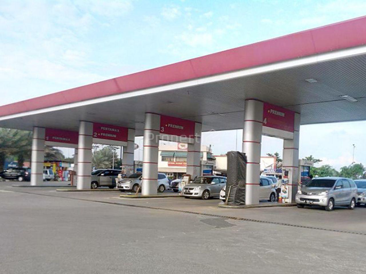 Strategic Gas Station at Rest Area Km 42 Karawang, Jawa Barat