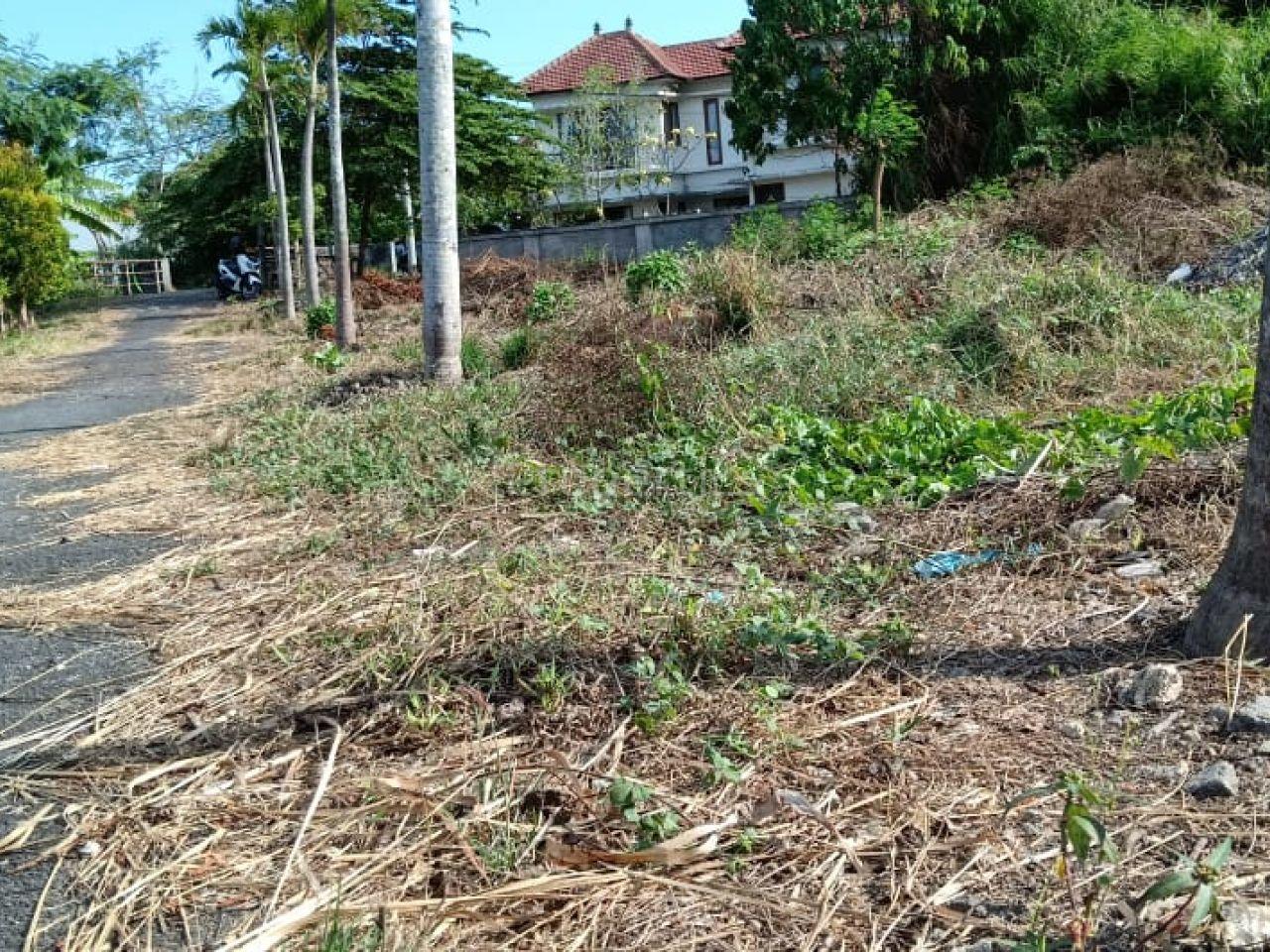 Tanah dengan Posisi Hook di Kawasan Wisata Seminyak, Bali
