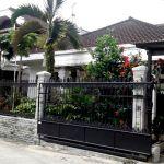Rumah dengan Halaman Luas di Batununggal, Bandung Kidul