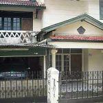 Rumah Lama 2 Lantai di Ciputat