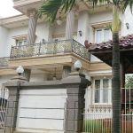 Rumah Klasik di Komplek Mega Kebon Jeruk