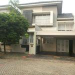 Rumah Ada Kolam Renang di Kebayoran Garden, Bintaro Sektor 7