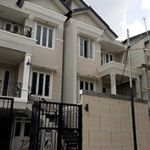 Rumah Baru 3 Lantai di Tengah Kota Sekitar Mampang