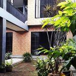 Rumah Baru Nuansa Villa di Kawasan Real Estate Sekitar Setiabudi