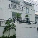 Rumah Baru Mewah Modern dengan Kolam Renang di Cipete