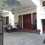 Rumah Mewah dengan Kolam Renang di Kawasan Senopati