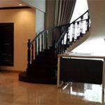 Rumah Mewah 2.5 Lantai Bergaya Spanyol di Area Utama Wijaya