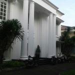 Rumah Mewah Klasik di Jalan Sriwijaya, Kebayoran Baru