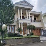 Modern House in Cilandak, South Jakarta