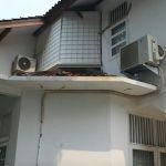 Rumah Pinggir Jalan Raya di Pondok Kopi