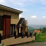 Rumah Villa di Jl. Bukit Pakar Timur, Bandung