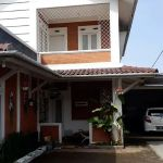 Villa House with Swimming Pool in Parongpong
