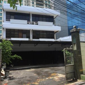 Gedung Perkantoran 3,5 Lantai di Prime Area Kebayoran Baru