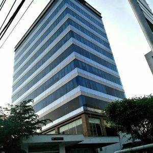 Gedung Kantor 8 Lantai Strategis di Jakarta Timur