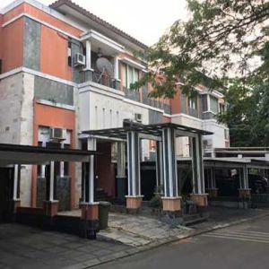 Rumah 3 Lantai di Gading Park View