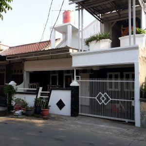 Rumah 2 Lantai dalam Kompleks di Kalideres