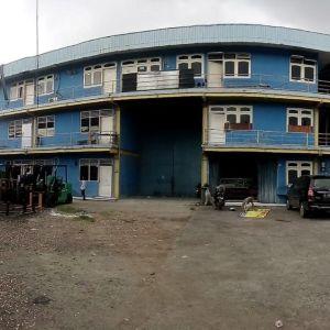 Lahan Komersial dengan Bangunan di Cimone
