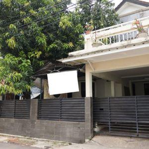 Rumah 2 Lantai di Kemanggisan
