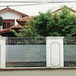 Rumah 2 Lantai, Strategis di Condet