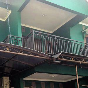 Rumah 2 Lantai dalam Perumahan di Condet