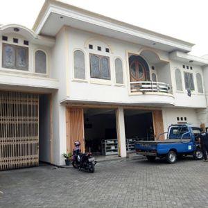 Rumah dan Gudang Strategis di Arjosari Malang