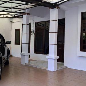 Rumah untuk Keluarga dalam Kompleks di Kota Semarang