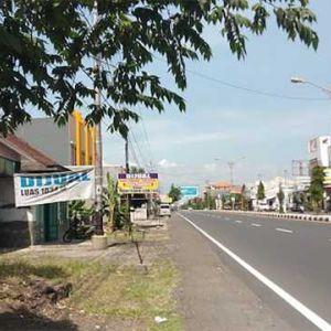 Rumah Tua dan Lahan Strategis Pinggir Jalan di Semarang